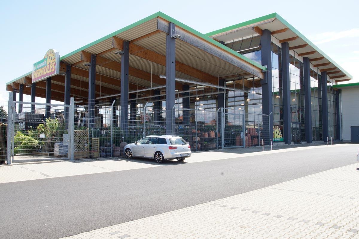 Runkelbau Burogebaude Mit Gastronomie Am Maternusplatz